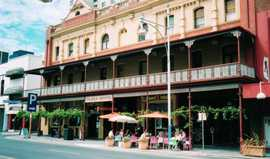 Plaza Hotel - Accommodation Mount Tamborine