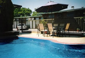 Sun Centre Motel - Accommodation Mount Tamborine