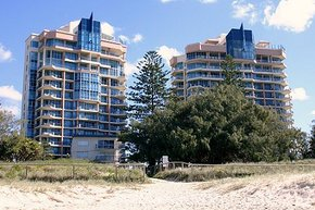 AA Oceana On Broadbeach - Accommodation Mount Tamborine