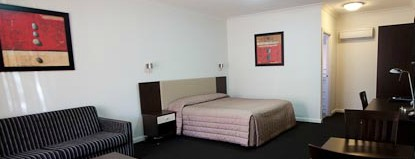 Charles Sturt Motor Inn - Accommodation Mount Tamborine
