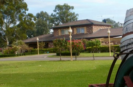 Carriage House Motor Inn - Accommodation Mount Tamborine