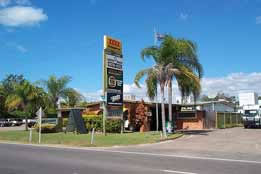 Queens Beach Motor Hotel - Accommodation Mount Tamborine