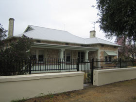 Naracoorte Cottages - MacDonnell House - Accommodation Mount Tamborine