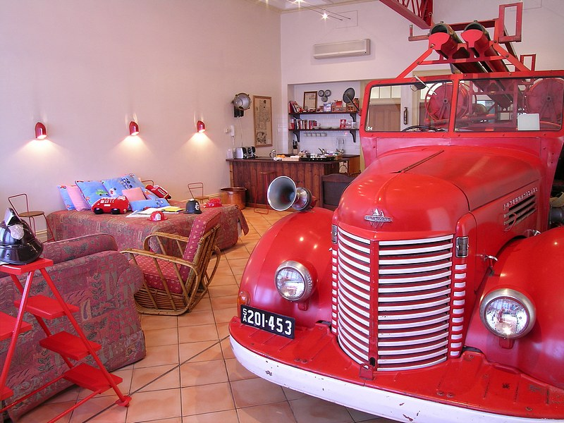 The Fire Station Inn - Fire Engine Suite - Accommodation Mount Tamborine