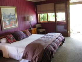 French Cottage and Loft - Accommodation Mount Tamborine