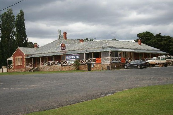Buckleys Crossing Hotel