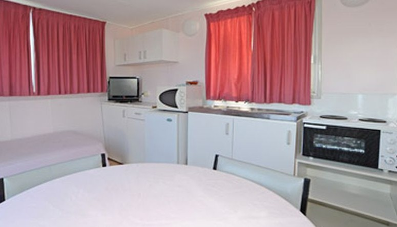 Aukaka Caravan Park - Accommodation Mount Tamborine