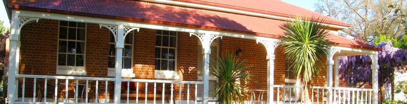 Araluen Old Courthouse Bed and Breakfast - Accommodation Mount Tamborine