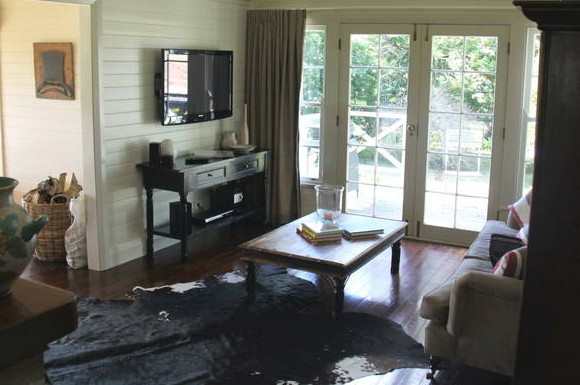 Book Barn Cottage - Accommodation Mount Tamborine