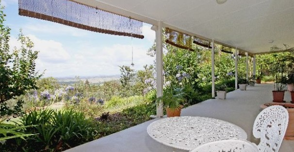 Bed and Breakfast at Wallaby Ridge - Accommodation Mount Tamborine