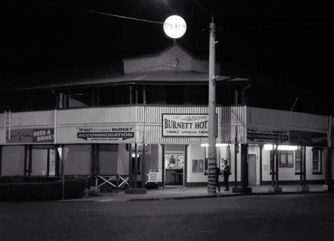 Burnett Hotel - Accommodation Mount Tamborine