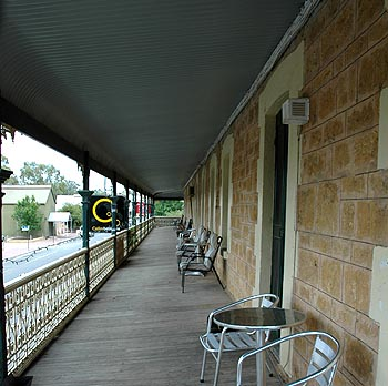 Hotel Mannum - Accommodation Mount Tamborine