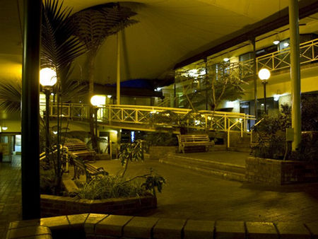 Mayfair Plaza Motel - Accommodation Mount Tamborine