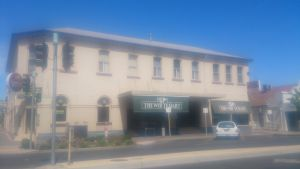 White Hart Hotel - Accommodation Mount Tamborine