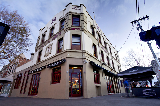 The Limerick Arms Hotel - Accommodation Mount Tamborine