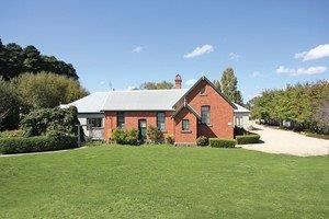 Woodend Old School House Bed and Breakfast - Accommodation Mount Tamborine