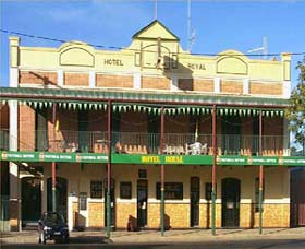 Royal Hotel Coonabarabran - Accommodation Mount Tamborine