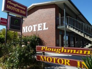 Ploughmans Motor Inn - Accommodation Mount Tamborine
