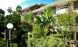 Wahroonga Waldorf Apartments - Accommodation Mount Tamborine