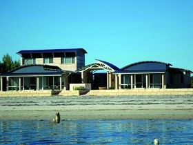 Baird Bay Ocean Eco Apartments - Accommodation Mount Tamborine