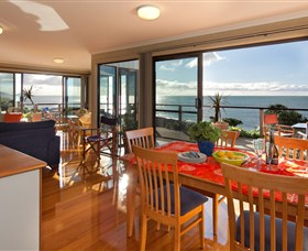 Boat Harbour Beach House - The Waterfront - Accommodation Mount Tamborine