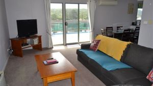 House on the Hill Port Campbell - Accommodation Mount Tamborine