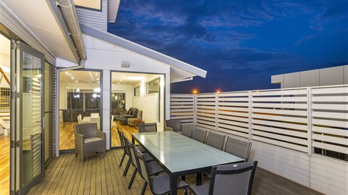 Serenity Torquay Ocean View: Luxury Beachfront - Accommodation Mount Tamborine