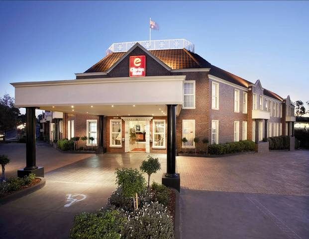 Canterbury International Hotel - Accommodation Mount Tamborine