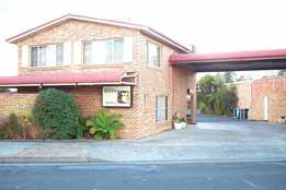 Clock Tower Motor Inn - Accommodation Mount Tamborine