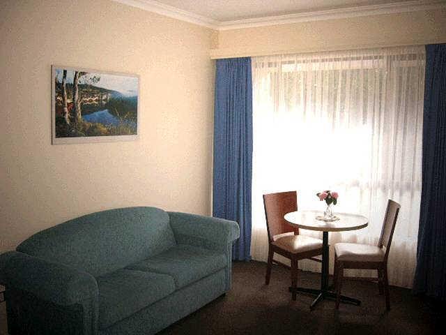 Victoria Lodge Motor Inn  Serviced Apartments - Accommodation Mount Tamborine