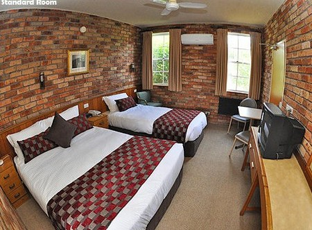 Log Cabin - Accommodation Mount Tamborine