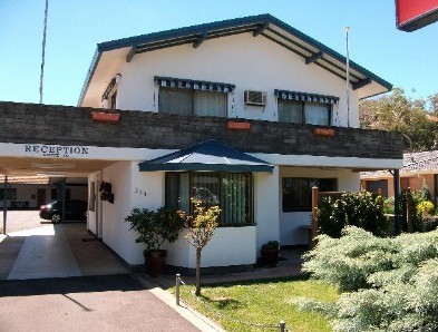 Alkira Motel - Accommodation Mount Tamborine