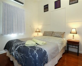 Holiday House At Cook Street Townsville - Accommodation Mount Tamborine