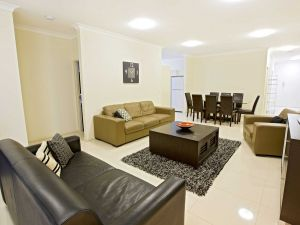 Astina Central Apartments - Accommodation Mount Tamborine