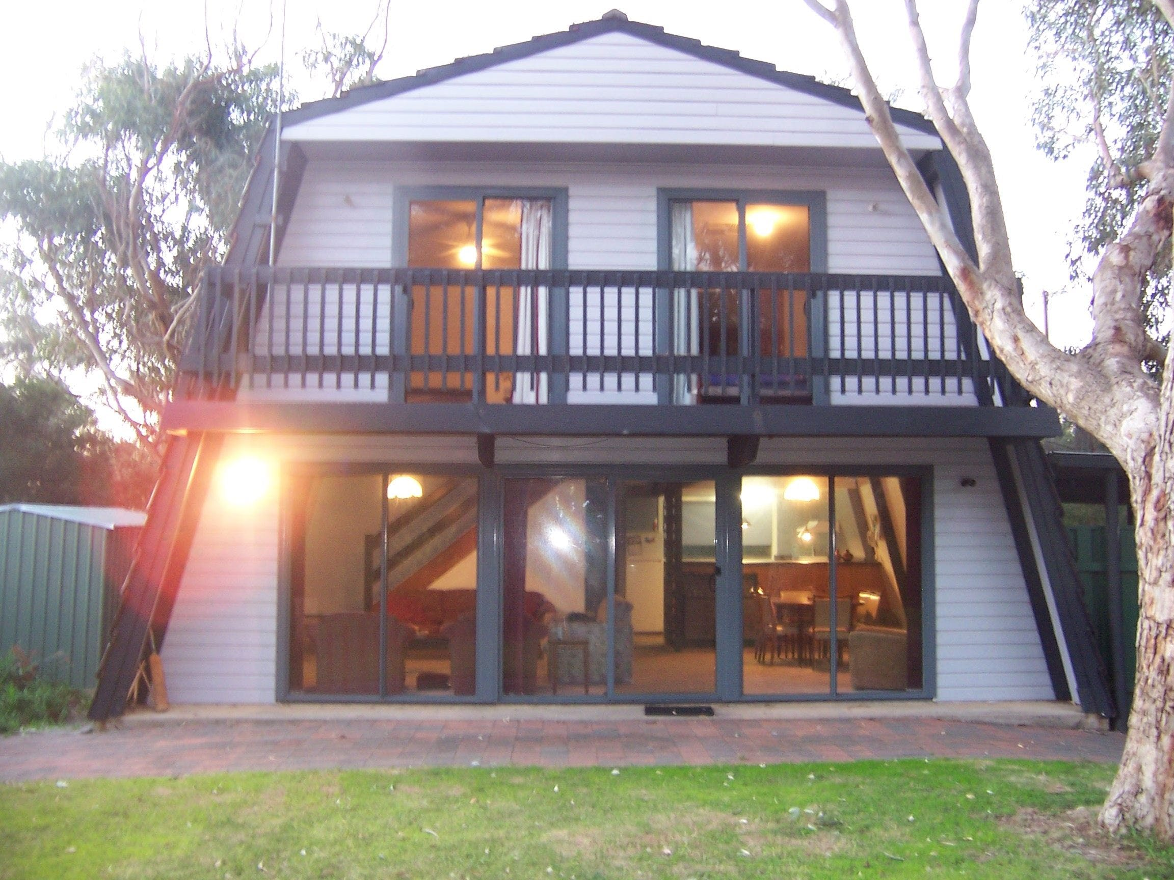 Century 21 SouthCoast Pink Gums - Accommodation Mount Tamborine