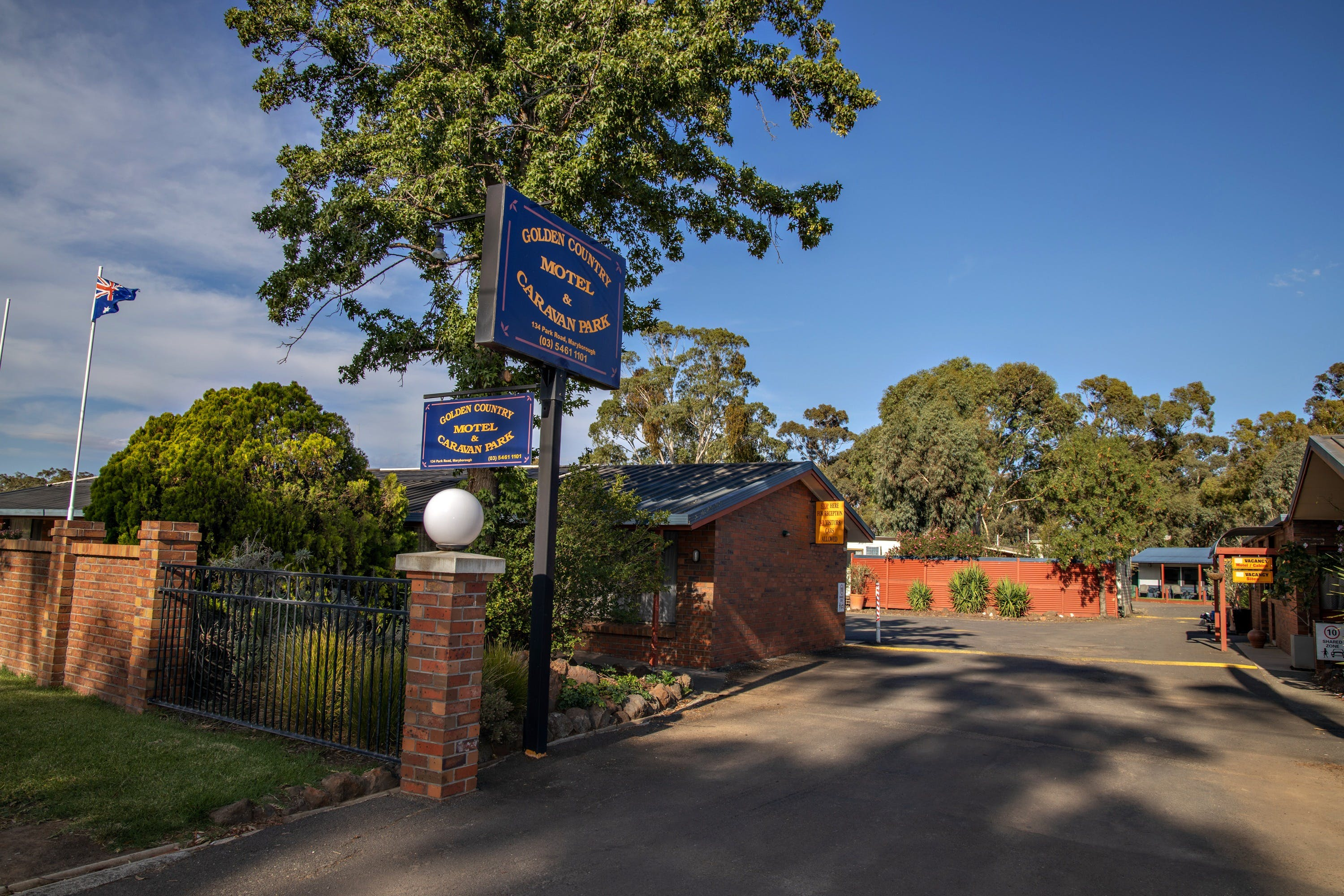Golden Country Motel and Caravan Park - Accommodation Mount Tamborine