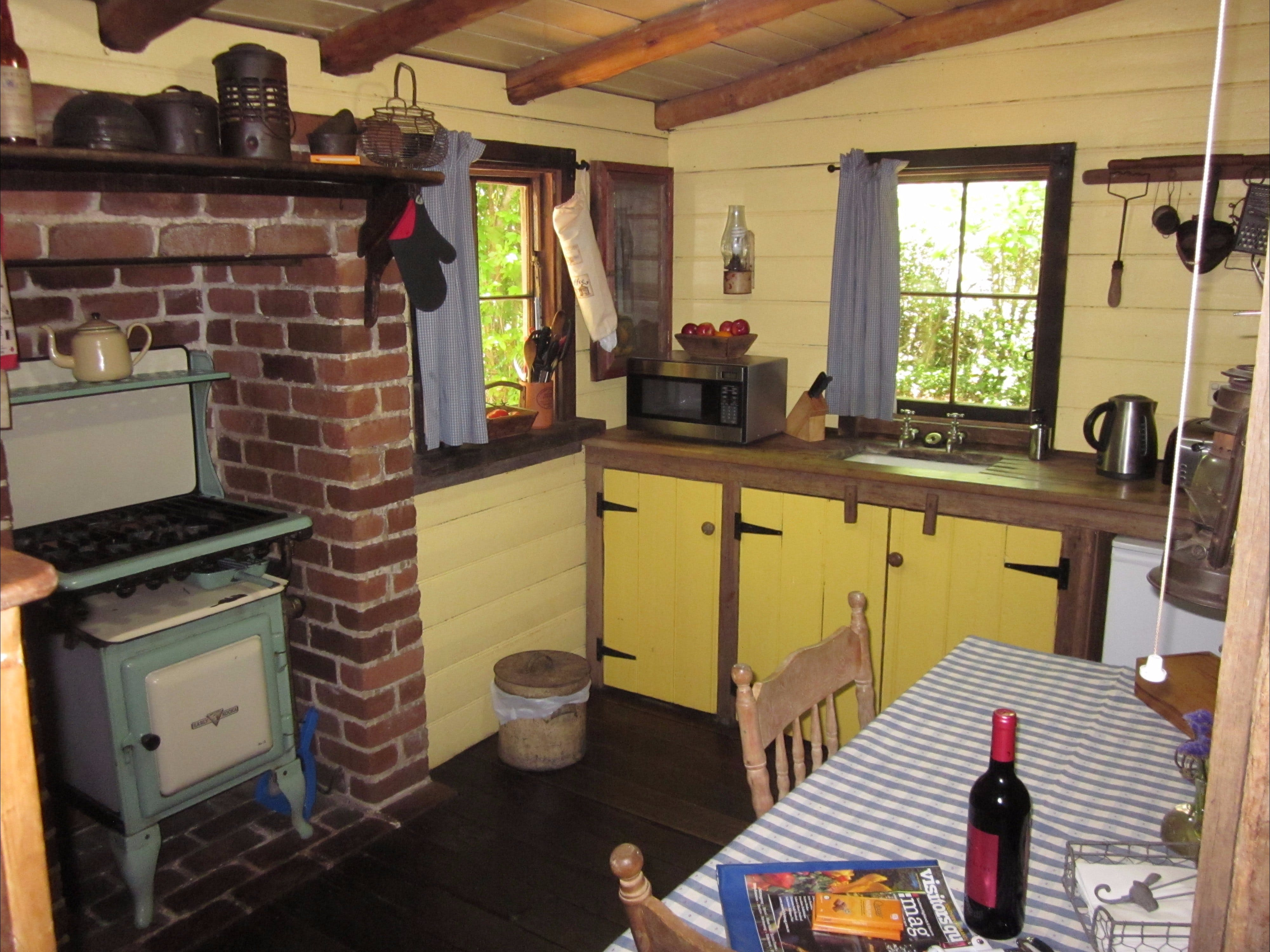 Settlers Hut - Accommodation Mount Tamborine