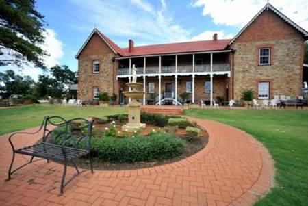 Faversham House York - Accommodation Mount Tamborine