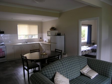 Lilacs Waterfront Villas and Cottages - Accommodation Mount Tamborine