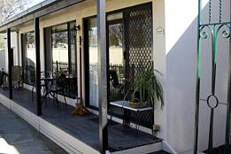 Courtside Cottage Bed and Breakfast - Accommodation Mount Tamborine