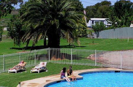 Swan Hill Holiday Park - Accommodation Mount Tamborine