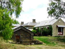 Lochinver Farm - Accommodation Mount Tamborine