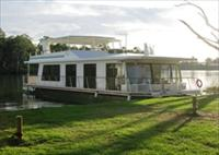 Cloud 9 Houseboats - Accommodation Mount Tamborine