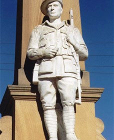 Beaudesert War Memorial - Accommodation Mount Tamborine