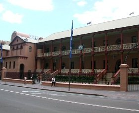 Parliament House - Accommodation Mount Tamborine
