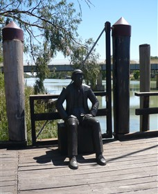 Captain John Egge Statue - Accommodation Mount Tamborine
