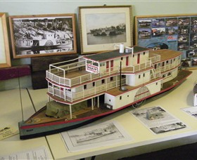 Wentworth Model Paddlesteamer Display - Accommodation Mount Tamborine