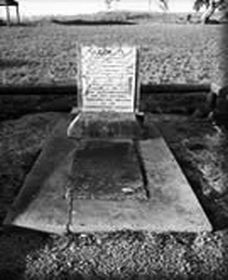 Grave of Yuranigh - Accommodation Mount Tamborine