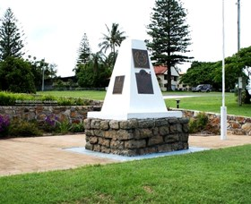Dunwich War Memorial - Accommodation Mount Tamborine