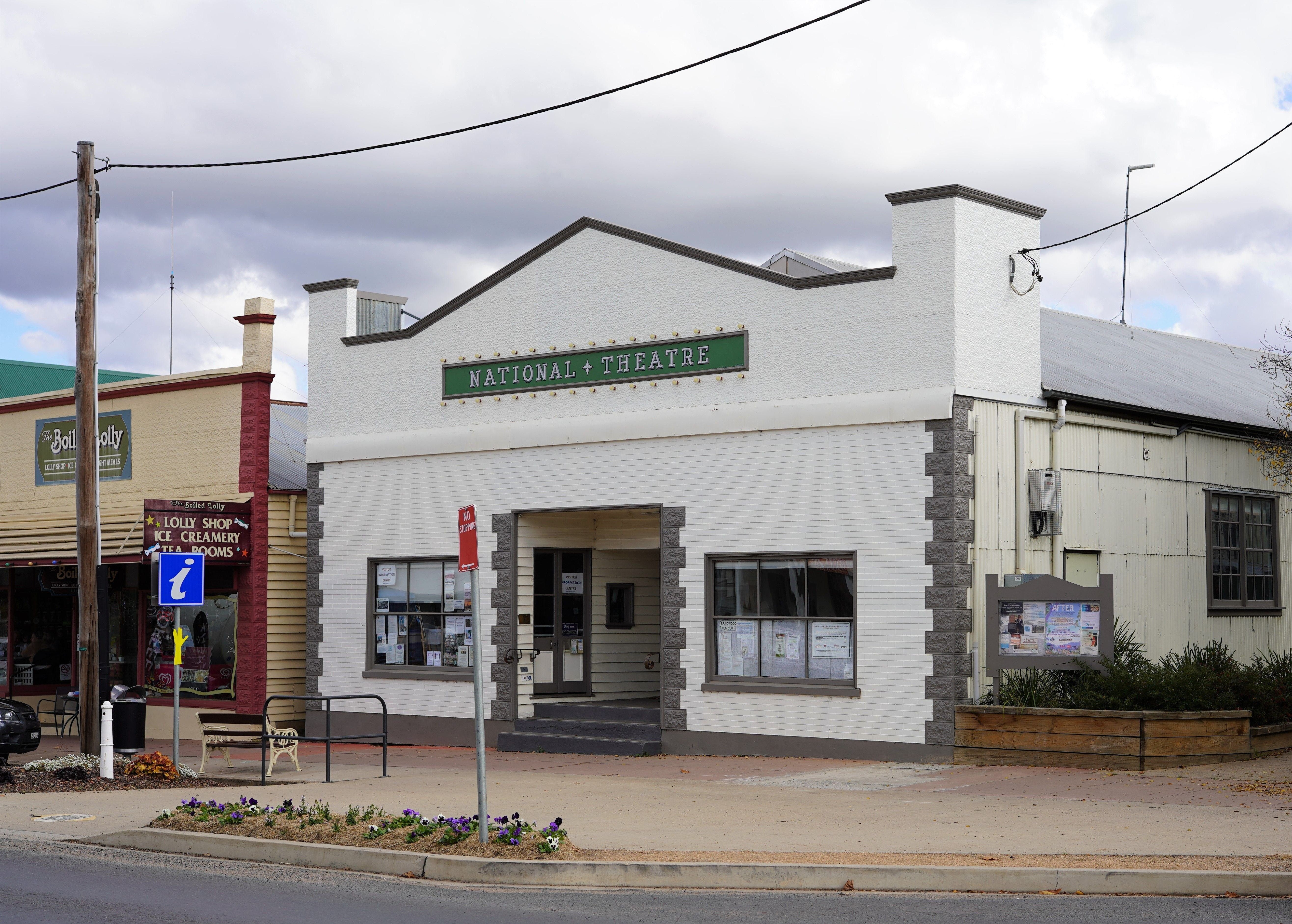 Braidwood Visitors Information Centre at the Theatre - Accommodation Mount Tamborine